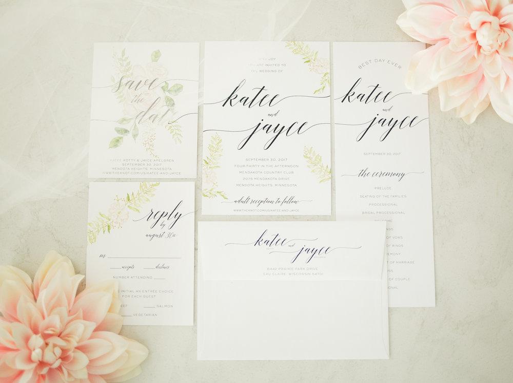 Chelsea Bolling PhotographyCustomizing your Wedding Invitations