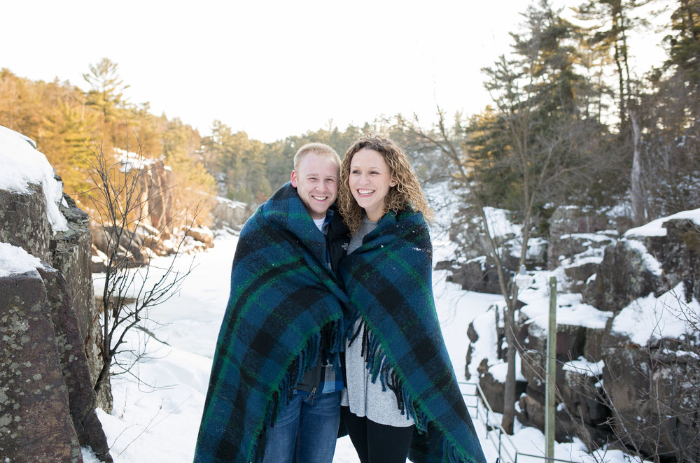 Winter Engagement Session at Taylors Falls by Chelsea Bolling Photography