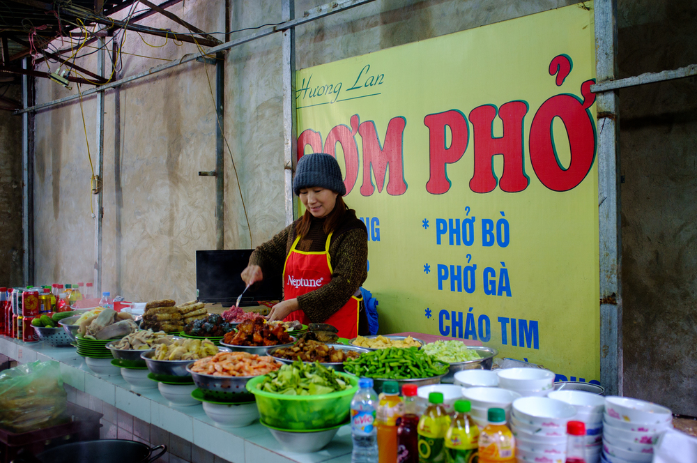 Hanoi: vendor prepping for lunchtime