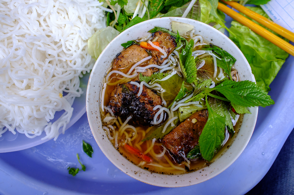 Look at that, look at that bún chả!