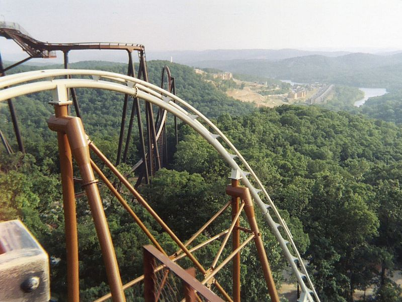 799px-Powder_Keg_lift_hill (1).jpg