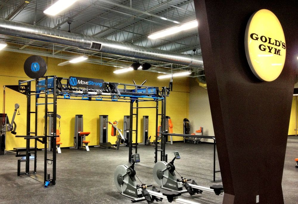 Functional Training Station Golds Gym