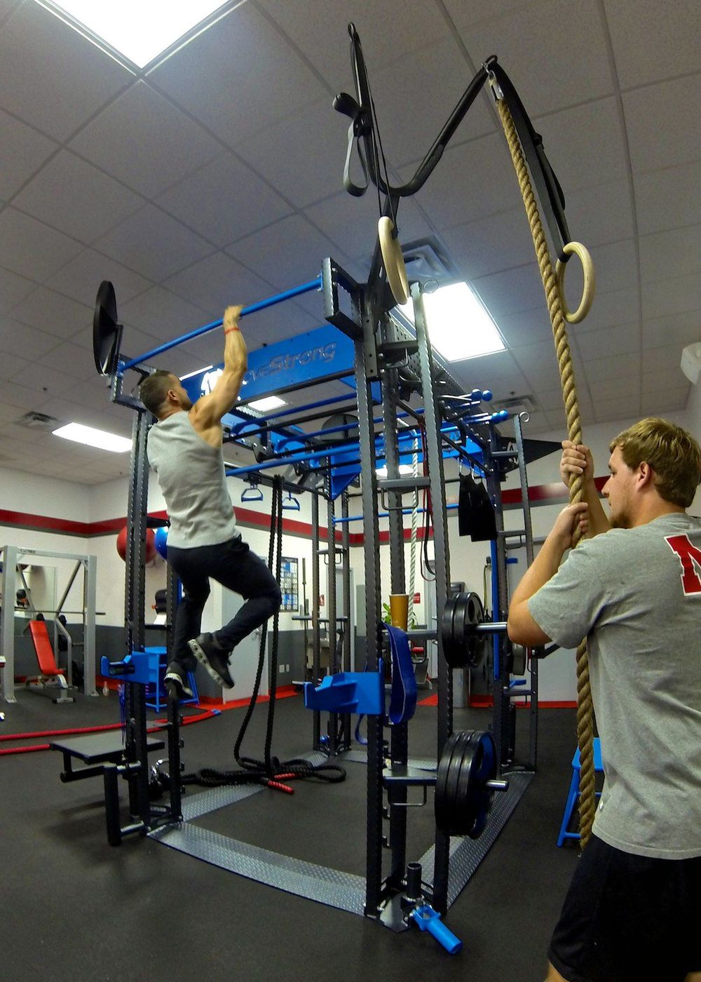 Snap Fitness-Functional training equipment