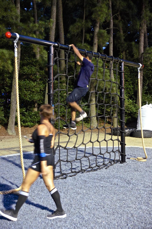 Cargo net climb fitness
