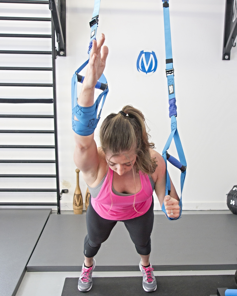 Plank reach using cradles