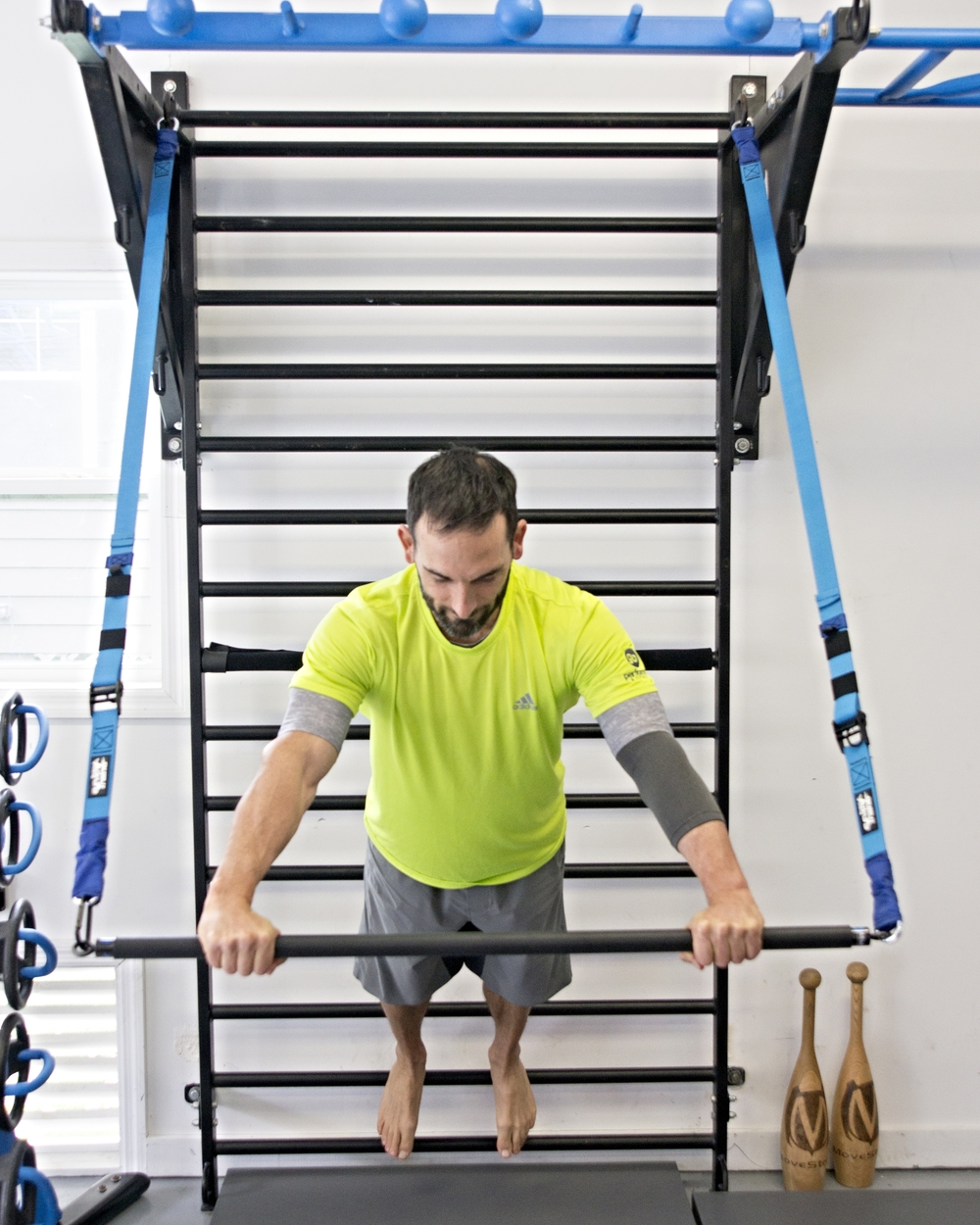 Stall bars Elevate suspension training