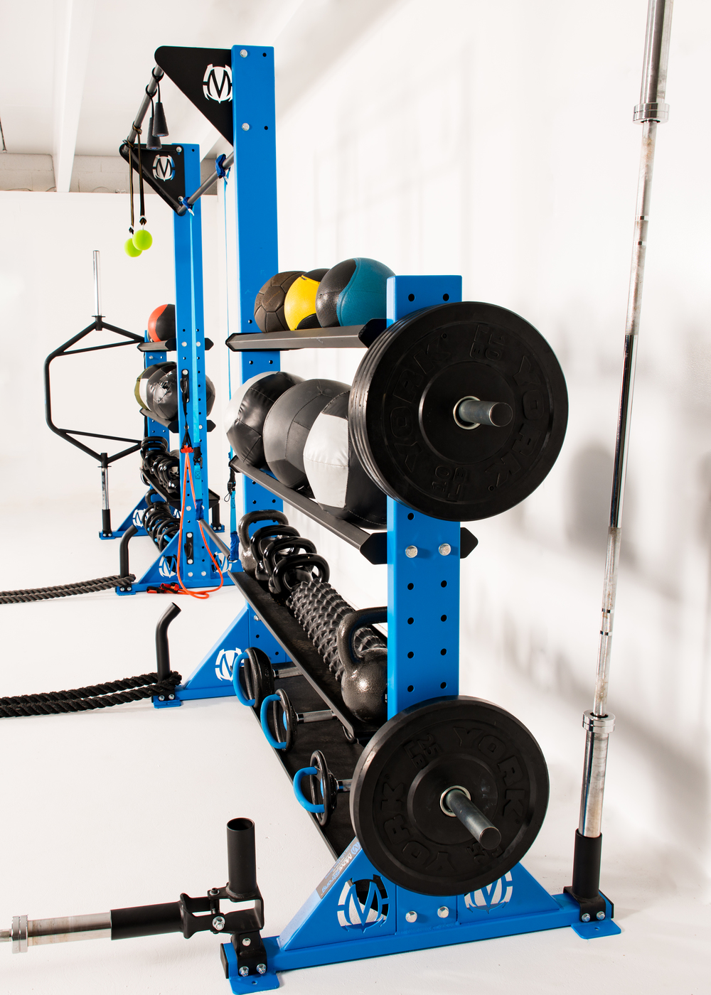 Bumper plate storage horns