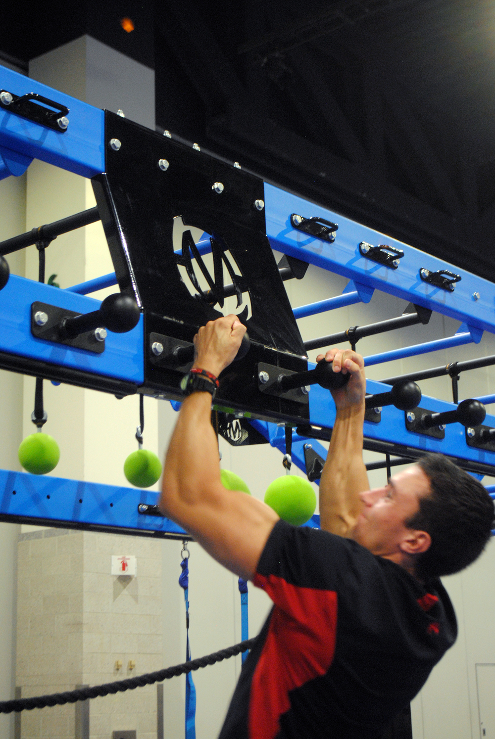 Globe rail for grip strength