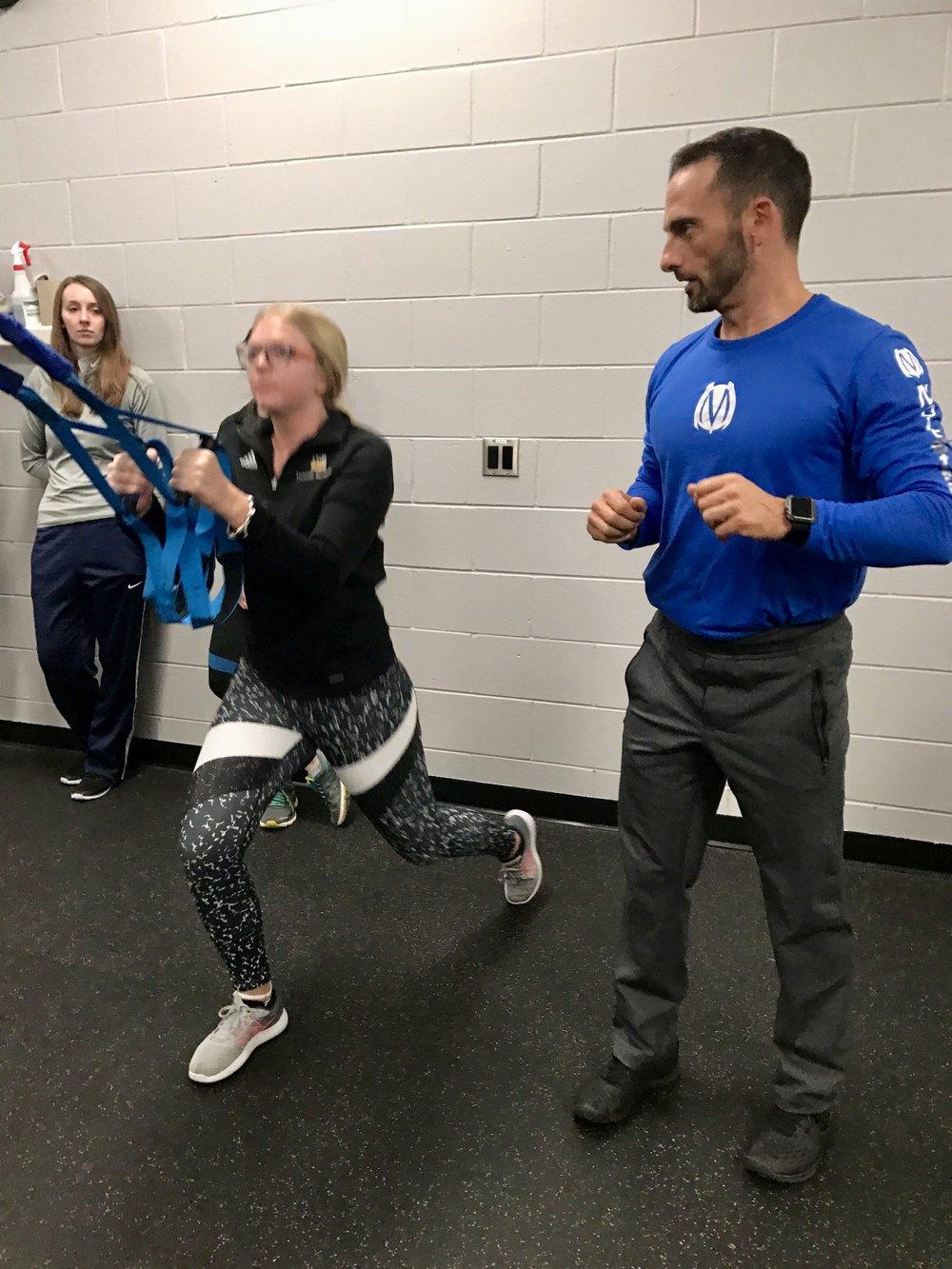 Reverse lunge Elevate Trainer