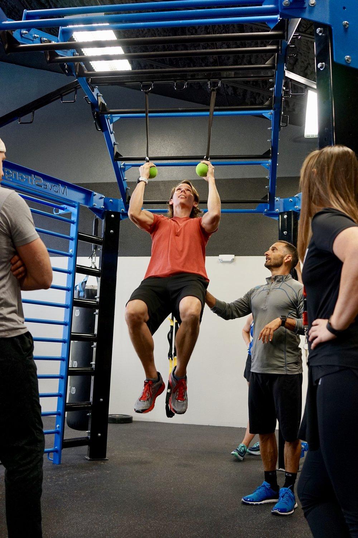 Hanging globe pull-ups