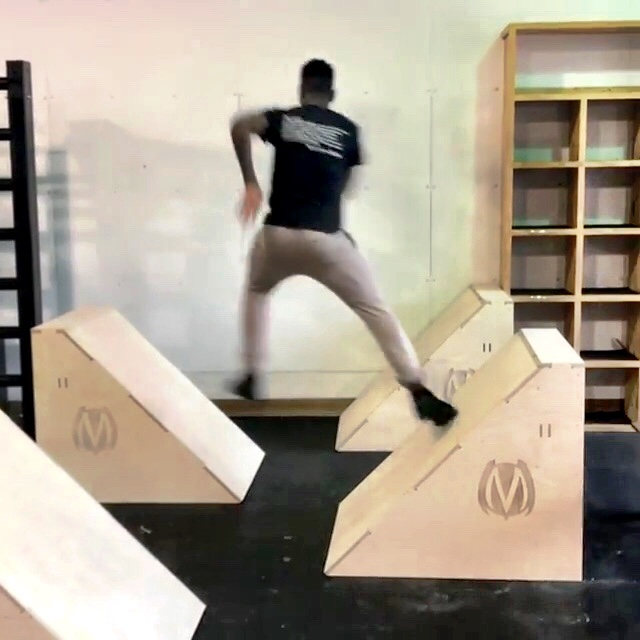 MoveStrong GEO floor obstacles