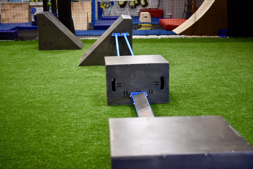 Floor obstacle course