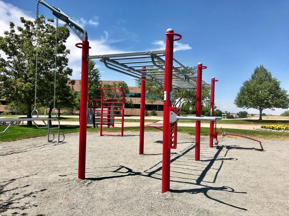 Custom outdoor fitness equipment