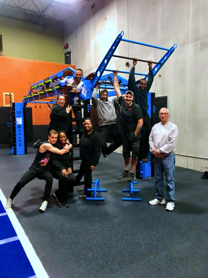 World Gym Staff meets MoveStrong
