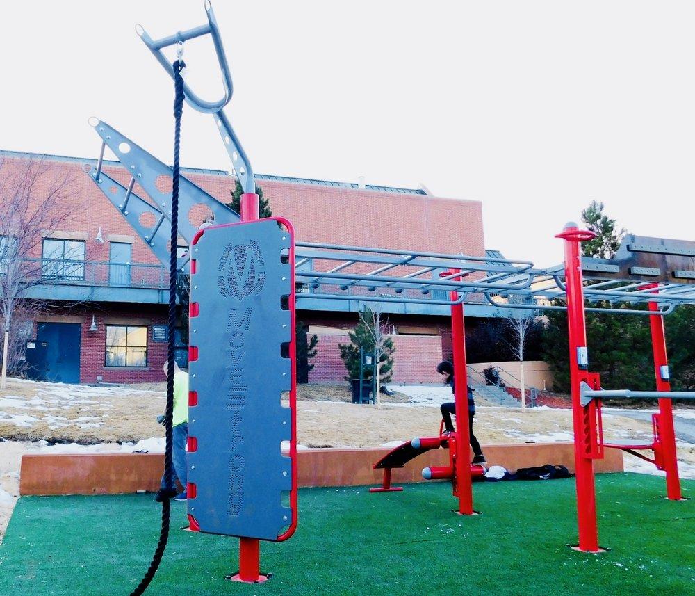 Kickplate and Rope Climb