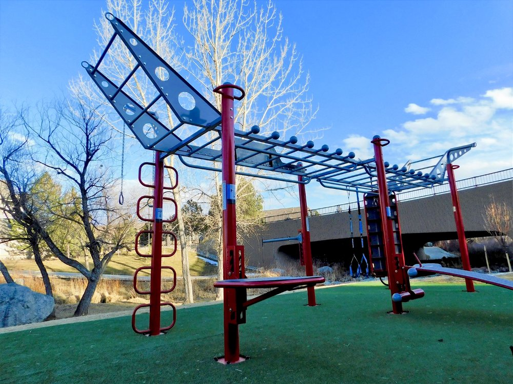 Outdoor Functional Fitness Station