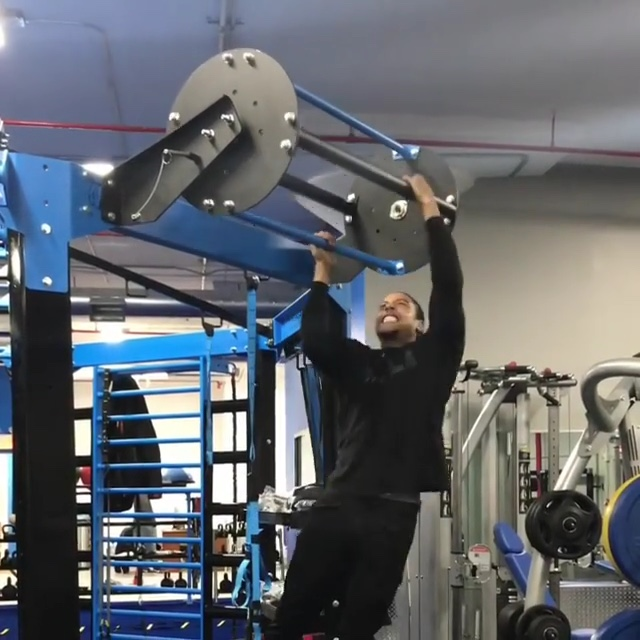 The Revolving pullup bar