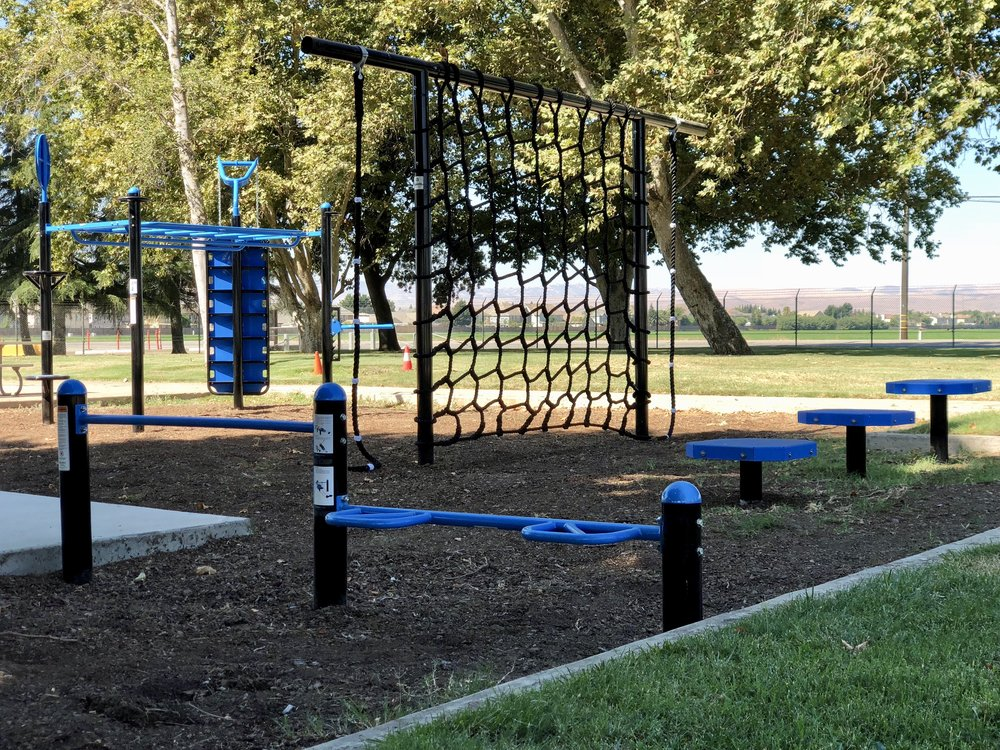 Corporate outdoor gym design