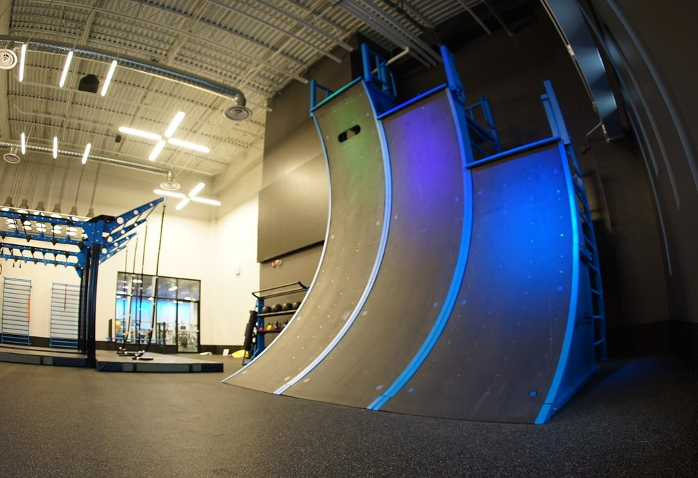 MoveStrong Triple Warped Wall Modular