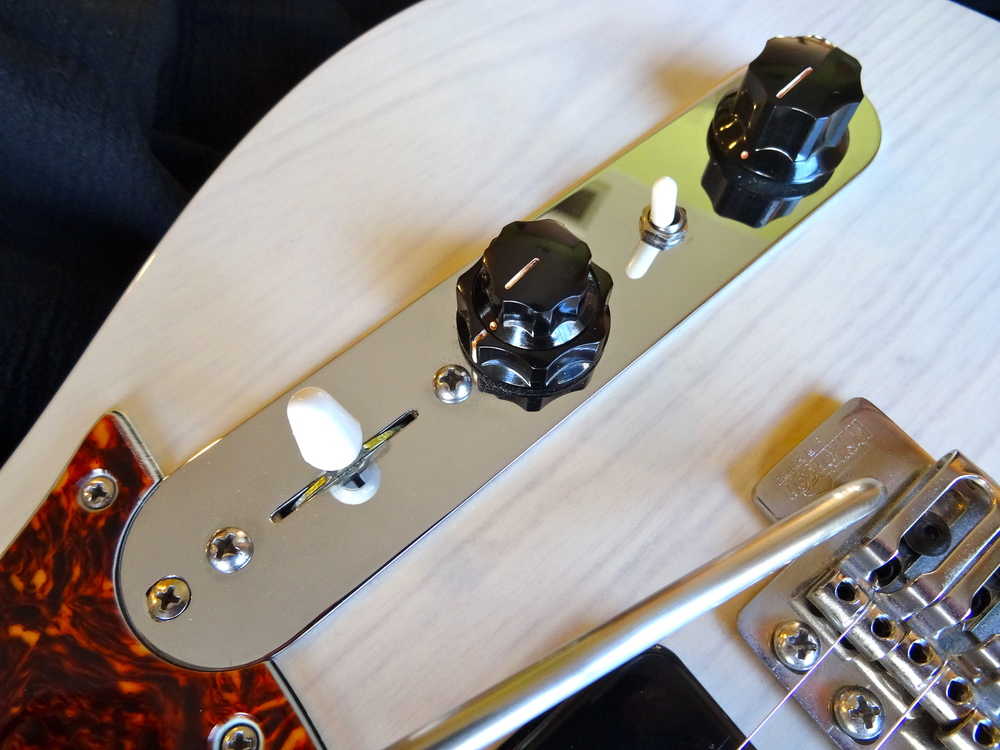 This Speedster now has separate Volume controls for each pickup and a Bass Cut Switch