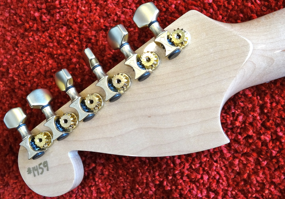 These Sperzel Sound-Lok tuning machines are marvelous: solid yet minimal, beautifully machined and super stable!