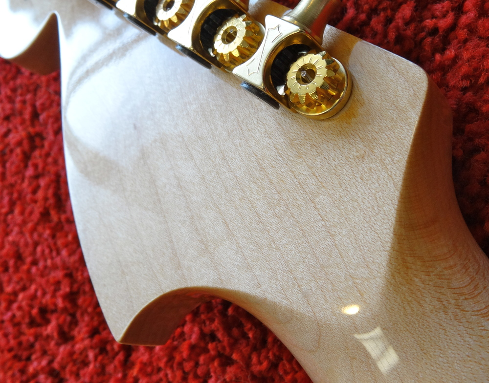 That subtle V-shaped headstock transition is a joy to behold, and it feels even better in the hand.