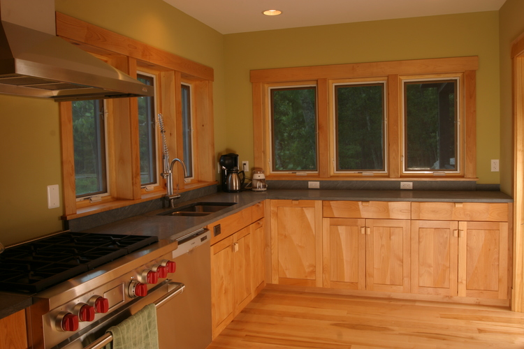 Carved+Panel+Kitchen+in+Red+Alder.jpg