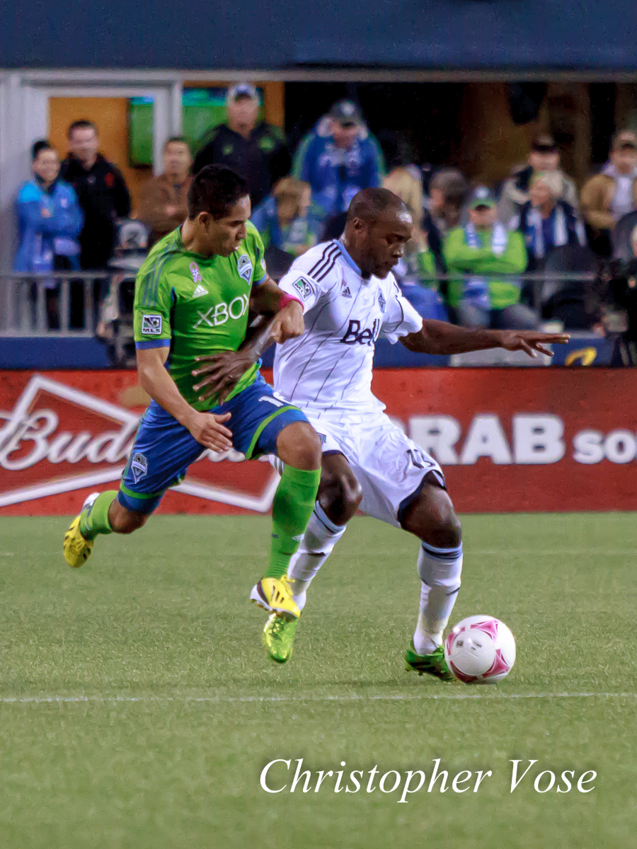 2013-10-09 David Estrada and Nigel Reo-Coker.jpg