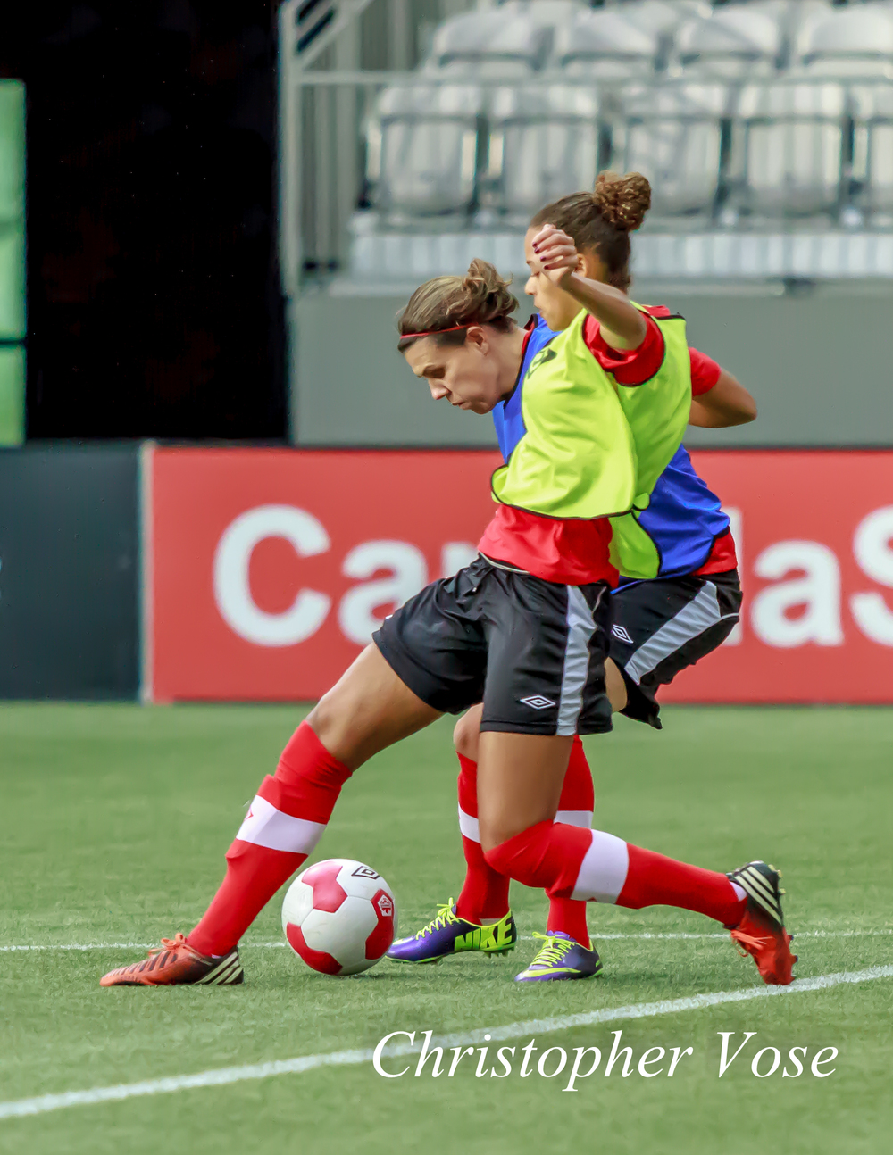 2013-11-23 Christine Sinclair and Desiree Scott.jpg