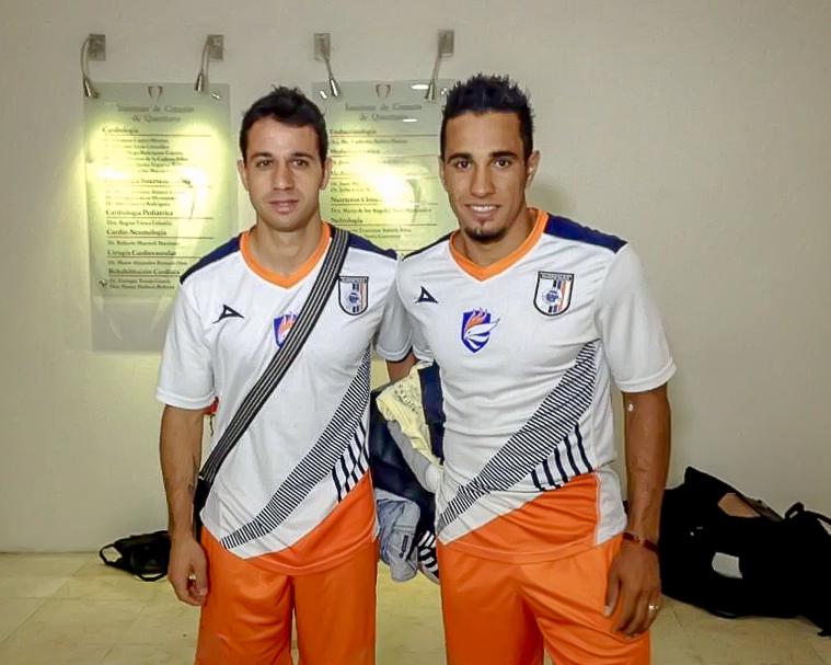 2014-01-06 Diego Guastavino and Camilo Sanvezzo by Querétaro FC.jpg