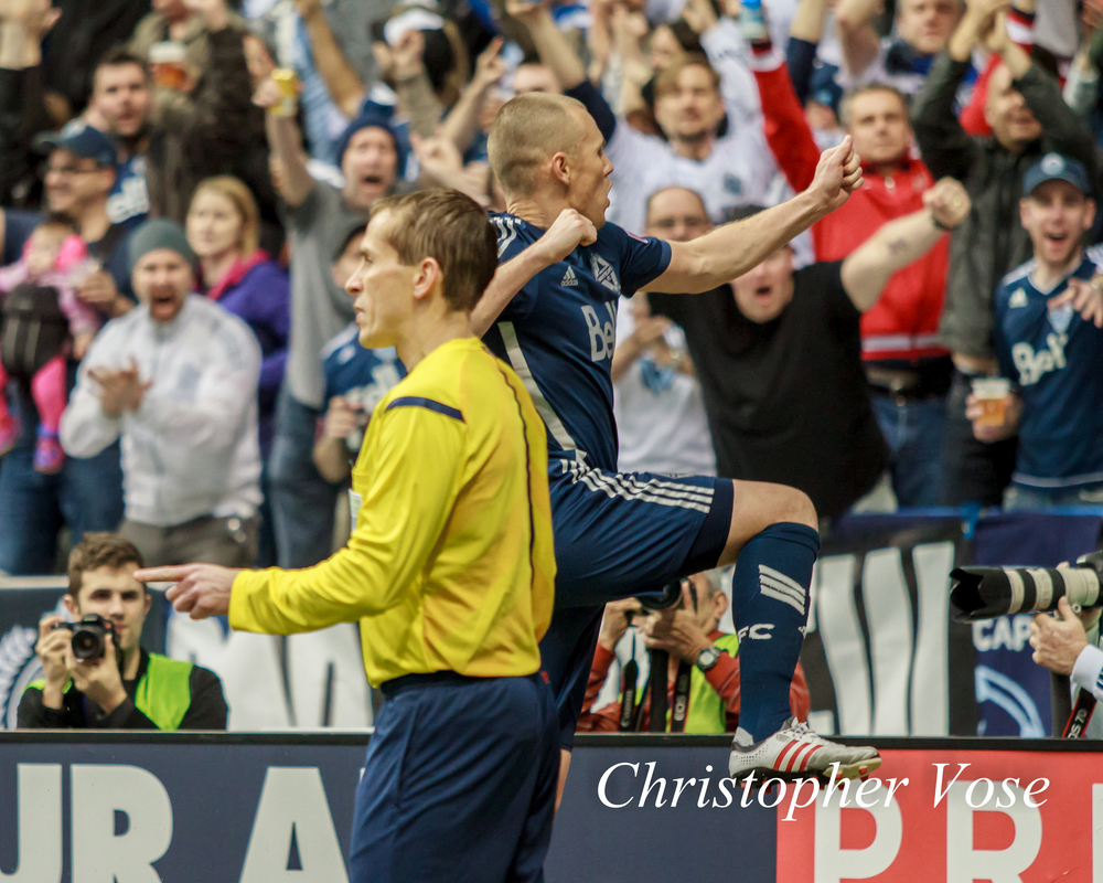 2014-03-29 Kenny Miller Goal Celebration 2.jpg