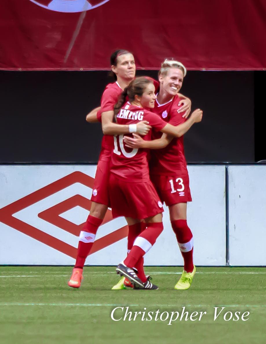 2014-06-18 Sophie Schmidt Goal Celebration.jpg