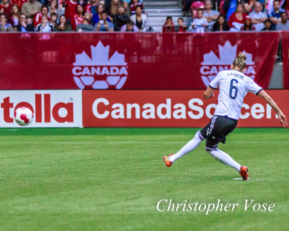 2014-06-18 Simone Laudehr Goal (Penalty Kick).jpg