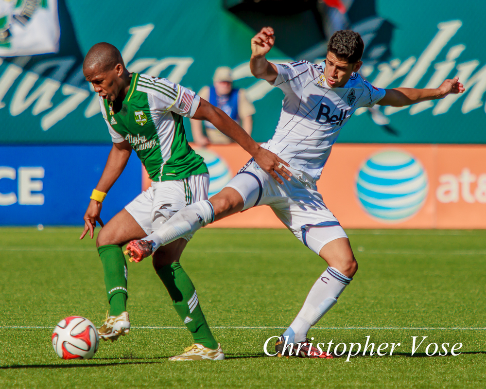 2014-09-20 Darlington Nagbe and Matías Laba.jpg