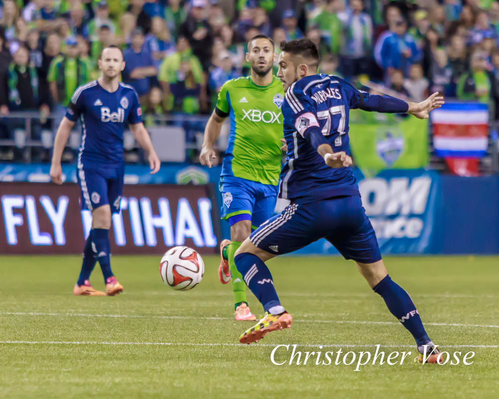 2014-10-10 Clint Dempsey and Pedro Morales.jpg