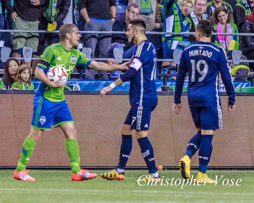 2014-10-10 Osvaldo Alonso, Pedro Morales, and Erik Hurtado.jpg