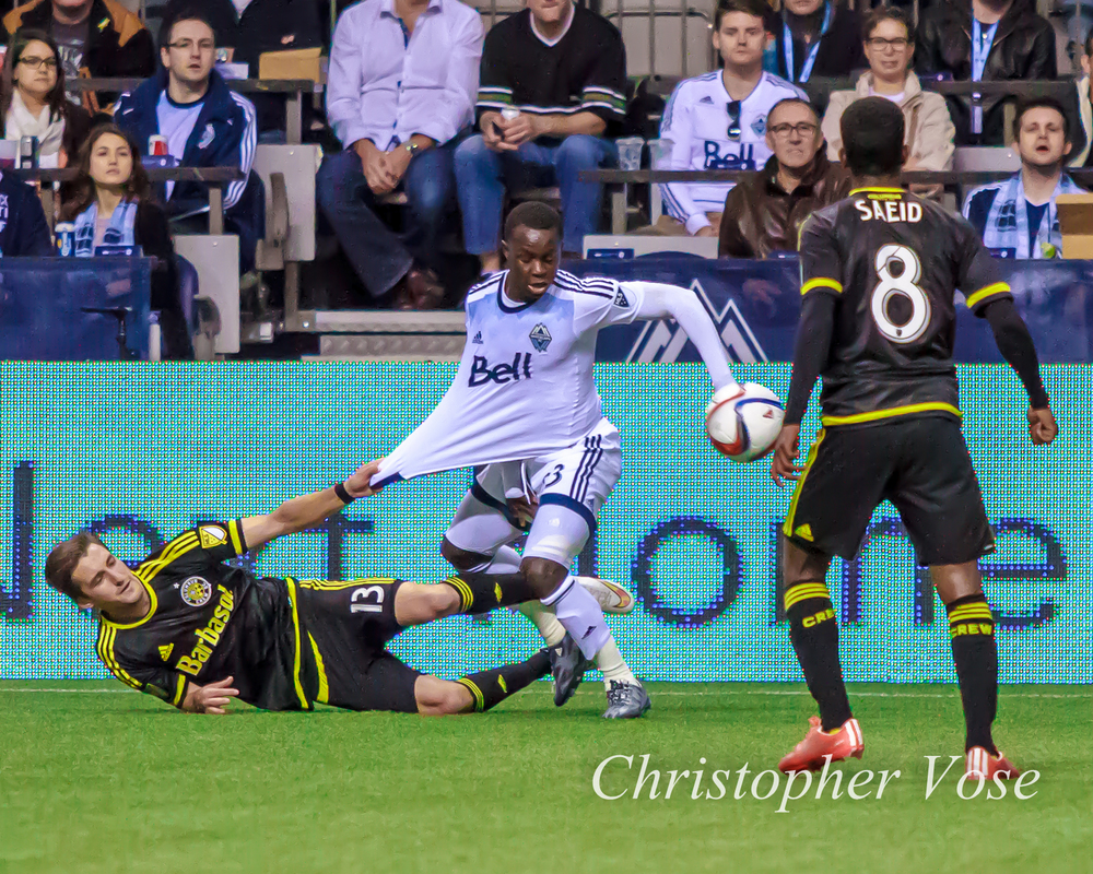 Ethan Finlay finds a novel way to slow Kekuta Manneh down.