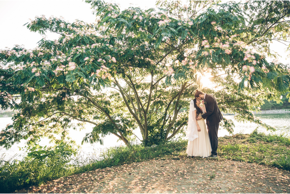 Elliott + Lila | Private Residence | Hendersonville, Tennessee | www.vitaeweddings.com