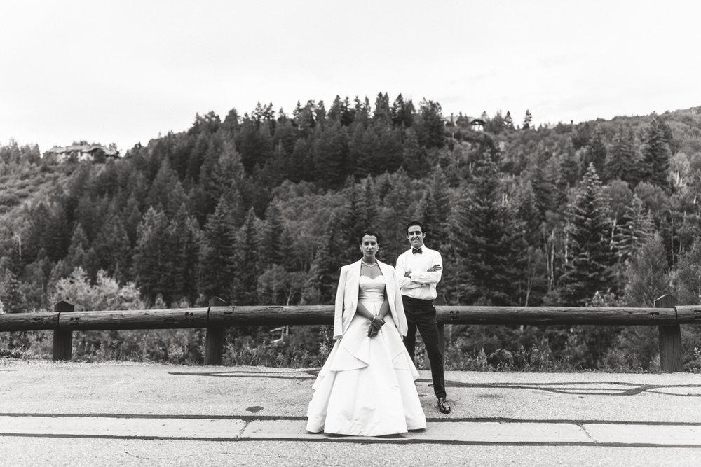 NONA + DAVID - BEAVER CREEK, COLORADOVENUE: RITZ CARLTON BACHELOR GULCHPLANNER: LISA GORJESTANIFLORALS: THE PERFECT PETAL