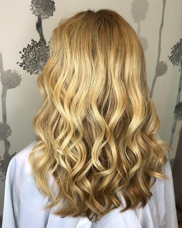 What doesn't kill you only makes you BLONDER! -Miranda Lambert #balayage #hairpainting #freshlytressed #salonmeritage #behindthechair #modernsalon #americansalon #btcpics #hairhealer #hairprescription #sealbeachhair #longbeachhair #huntingtonbeachhair #regimenleadstoresults #hairpainter #sunkissed #fuckinghair #hotonbeauty #hairbrained #imallaboutthehair #mainaddicts #instahair #stylistshopconnect #allmodernhair #hairdressersjournal #livedinhair #foilayage #foilage #babylights