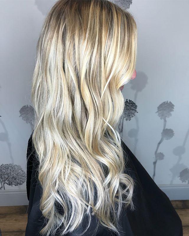 Sometimes life is better blonde! #freshlytressed #salonmeritage #btcpics #hairhealer #hairprescription #sealbeachhair #hairpainter #sunkissed #imallaboutthehair #mainaddicts #instahair #stylistshopconnect #allmodernhair #hairdressersjournal #livedinhair #foilayage #foilage #babylights #lovekm #kmeducation #colormebykm #thechoiceswemake #skincareforyourhair #greensalon #goldkey #love_kevin_murphy #nofilter