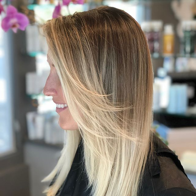@smalldogofficial 's mom @carlybyne stopped by to get that California glow! #nofilter 😍 #freshlytressed #salonmeritage #hair #sealbeachhair #longbeachhair #livedinhair #instagood #beachyhair #texturedhair #instahair #allmodernhair #foilayage #foilage #babylights #lovekm #kmeducation #colormebykm #thechoiceswemake #cultureislife #connect #inspire #skincareforyourhair #greensalon #goldkey #love_kevin_murphy #hairhealer #sustainablebeauty