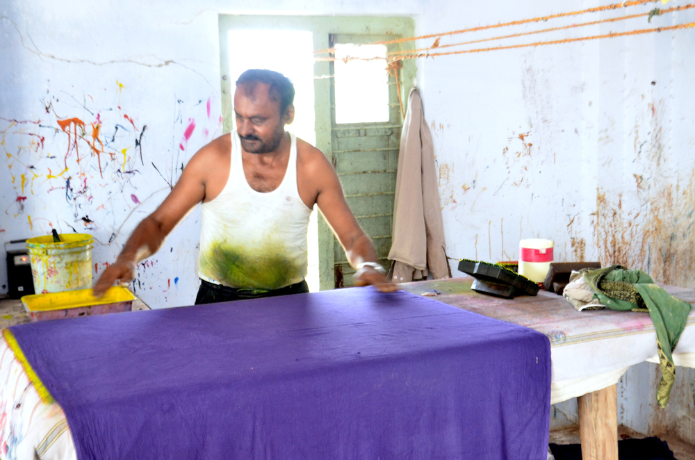 A block-print artisan who works with Musa Bhai's family