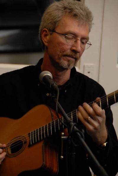 Gary Hunt - Guitar/Vocals