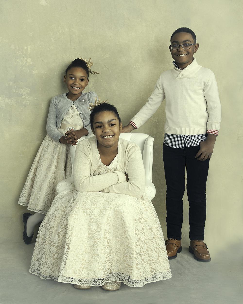 Soraia Pargali Family Portraits 2015-11837 Select Promo WEB.jpg