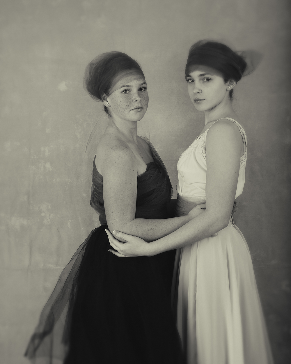 3 Sisters Portraits Wendy Holman 2015-12469 WEB.jpg