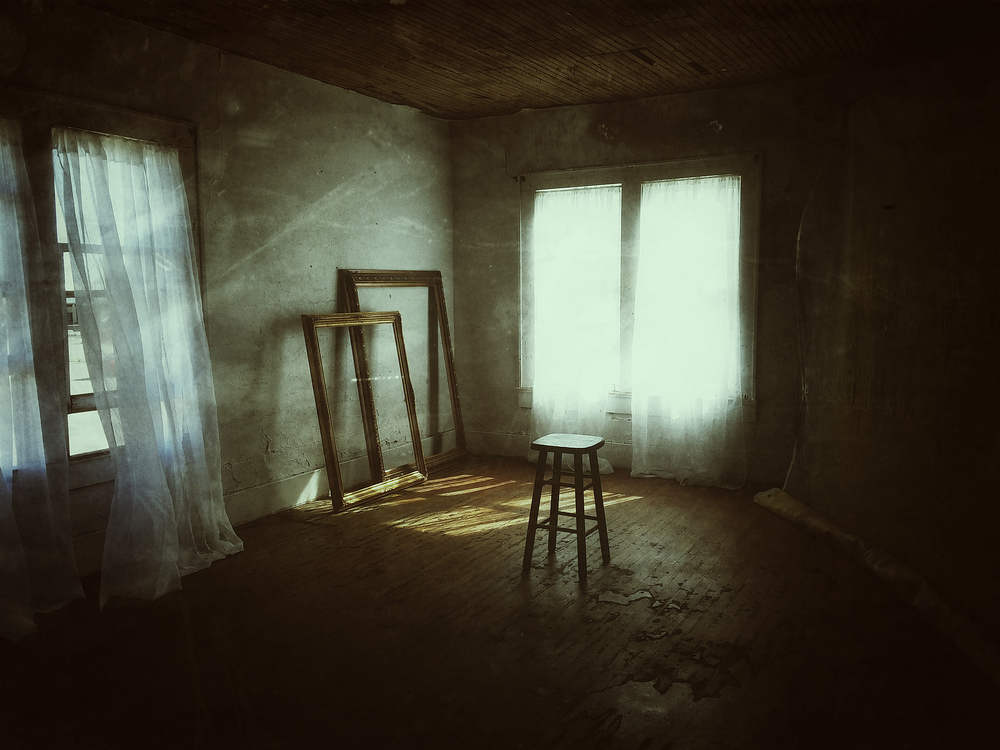 11x14 upstairs stool in room WEB.jpg