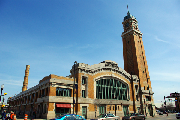 West_Side_Market_Pearl_Entrance.jpg