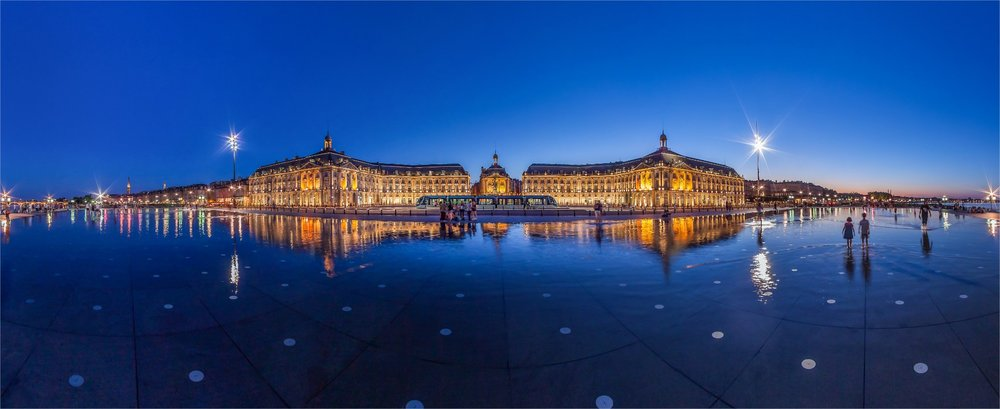 Miroir-d-eau-Bordeaux-Credit-Christophe-Bouthe.jpg