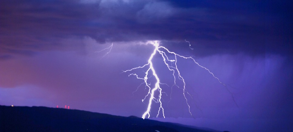 Lightning Photoshop.jpg